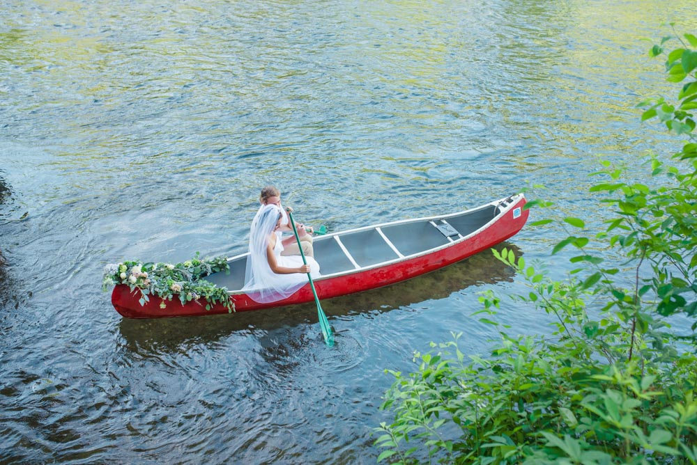 Canoe wedding Hiwassee River Delano TN